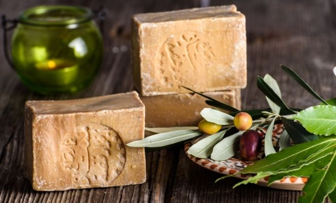 What Is Aleppo Soap: Benefits, History and Uses For Hair & Body